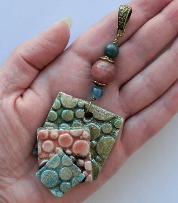 Amuletos y talismanes de cianitas